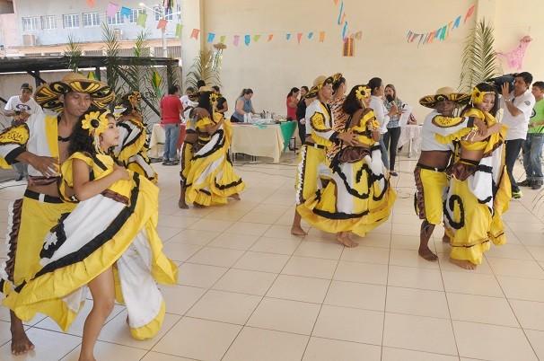 """Grupo """"Bailado de Carimbó"""", Campeão do Festival Folclórico de Santarém no ano passado (Foto: Zé Rodrigues/ TV Tapajós)"""
