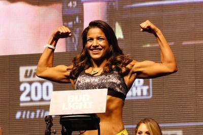 Julianna Peña Pesagem UFC 200 (Foto: Evelyn Rodrigues)