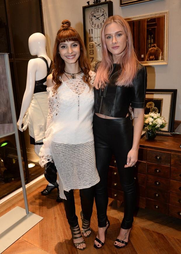 Giselle Batista e Fiorella Mattheis (Foto: Caio Duran/Brazil News)
