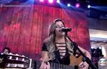 Paula Mattos canta 'Que Sorte a Nossa'