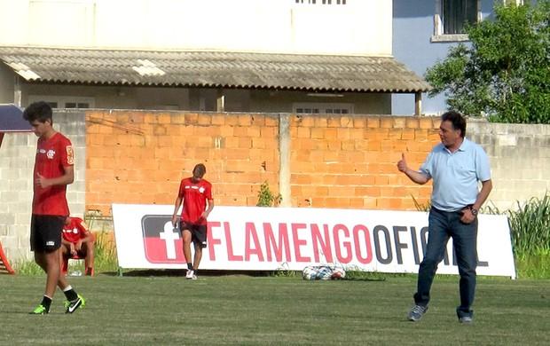 Matheus e Pelaipe no treino do Flamengo (Foto: Janir Júnior)