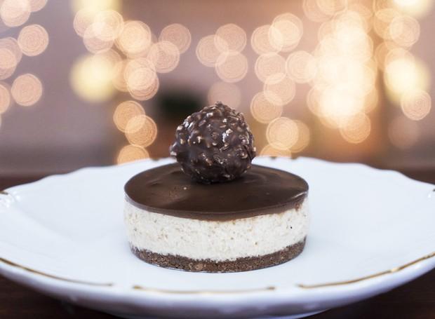 Cheesecake com bombom Ferrero Rocher