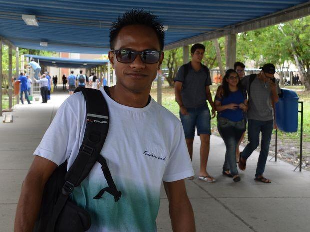 Taviano dos Santos Soares saiu do Timor Leste para estudar em Sergipe e se surpreendeu com demora na greve (Foto: Marina Fontenele/G1)