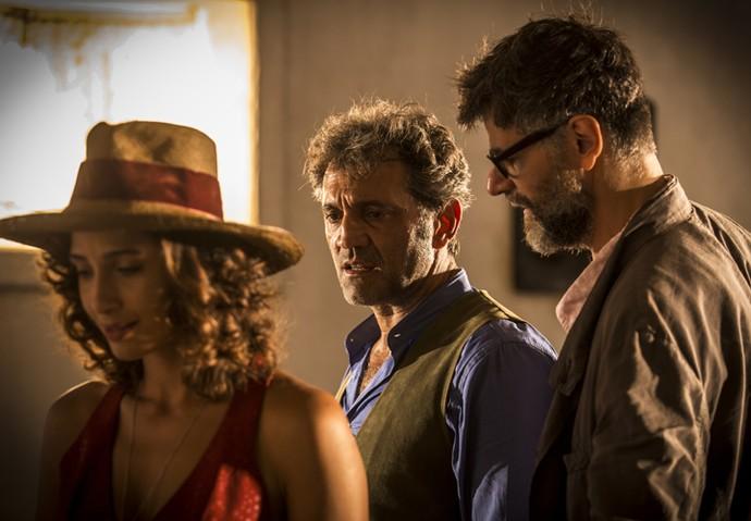 Domingos Montagner se concentra em uma cena dirigida pelo diretor artístico Luiz Fernando Carvalho (Foto: Inácio Moraes/ Gshow)