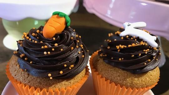 Cupcakes de Páscoa: aprenda a fazer receita de bolinho de cenoura com ganache