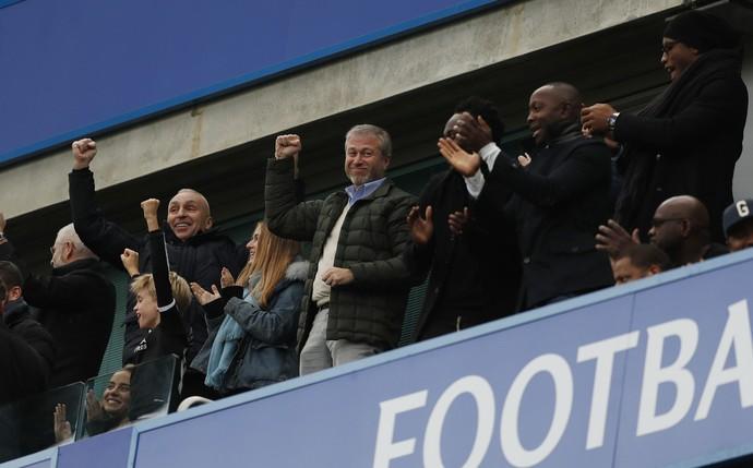 Chelsea humilha Arsenal e cimenta liderança