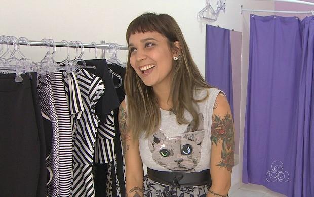 A blogueira Júlia abriu sua loja de roupas a pedido das leitoras (Foto: Rondônia TV)
