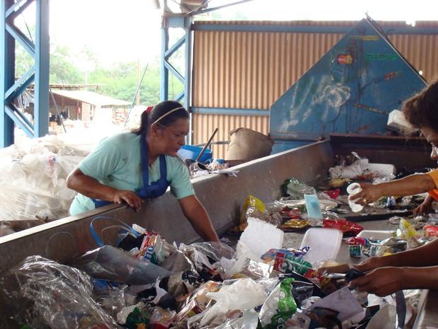 Prefeitura de Maringá quer profissionalizar os catadores de recicláveis (Foto: Instituto Lixo & Cidadania/Divulgação)
