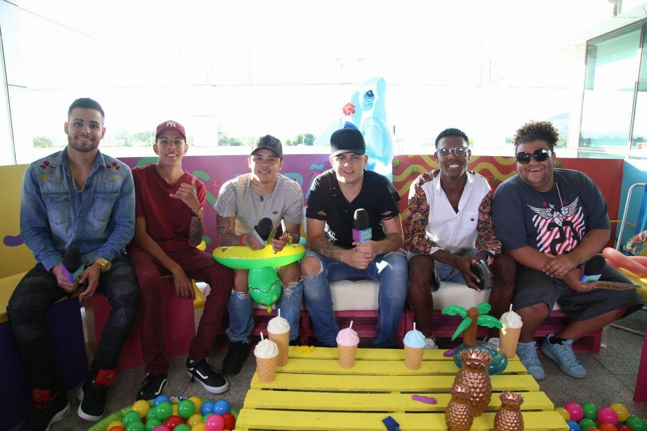 MCs Jerry Smith, Don Juan, Jhowzinho, Kadinho e Kekel participam da live do TVZ Vero com Gominho (Foto: Fabiano Leone/Multishow)