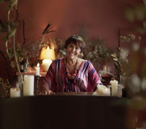 Marcia Fernandes ensina como limpar as energias da casa para receber o ano novo! (Foto: Cecilia Cussioli/Vivi Spaco)
