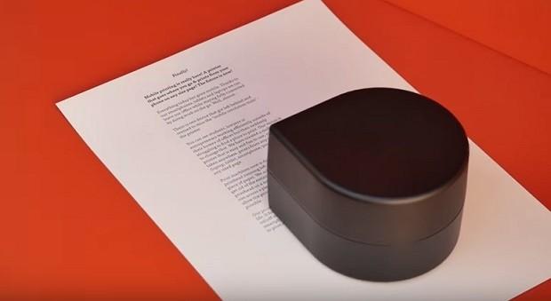 Impressora portátil permitirá que você possa imprimir de qualquer lugar  (Foto: Divulgação ZutaLabs/Reprodução YouTube)