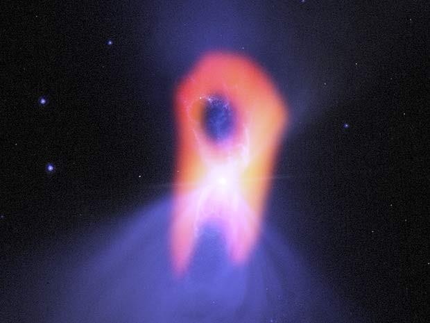 Nebulosa Boomerang, lugar mais frio do universo, tem forma de fantasma (Foto: Bill Saxton; NRAO/AUI/NSF; NASA/Hubble; Raghvendra Sahai)
