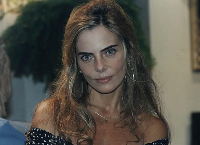 Bruna Lombardi na época de O Fim do Mundo, em 1996 (Foto: Cedoc / TV Globo)