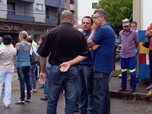 Servidores municipais fazem paralisação por conta de falta de salários em Lavras (Foto: Reprodução EPTV)