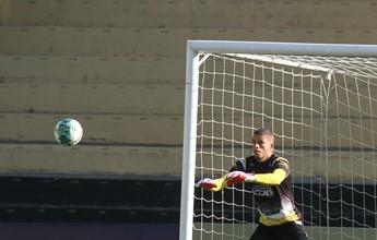 Recuperado, Edson volta aos treinos  e deve ser titular no gol do Criciúma
