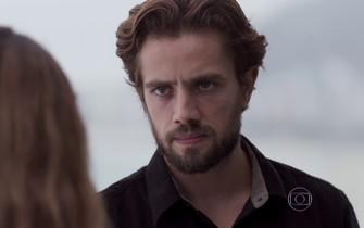 Felipe ameaça pedir a guarda de Alex
