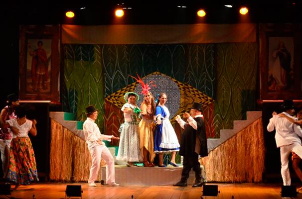 Cena do espetáculo 'Casa Grande e Senzala - Manifesto Musical Brasileiro'  (Foto: Divulgação)