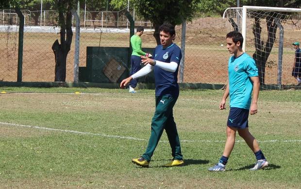 Augusto e Liniker - Goiás sub-20 (Foto: Fernando Vasconcelos / Globoesporte.com)