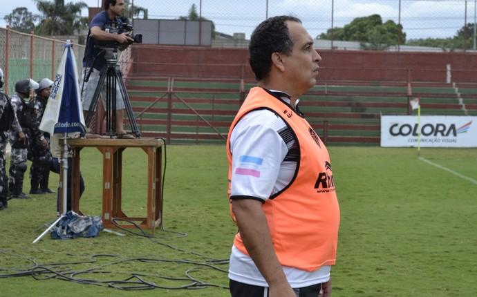 Técnico Charles de Almeida, do Atlético-ES (Foto: João Brito/GloboEsporte.com)