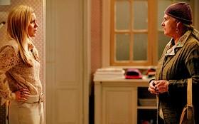 Jogo duplo? Lucinda conta a Carminha que Jorginho está à procura dos pais