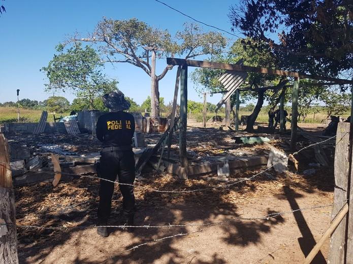 A Polícia Federal realizou a reconstituição da chacina que matou 10 pessoas na fazenda Santa Lúcia, em Pau D'Arco.
