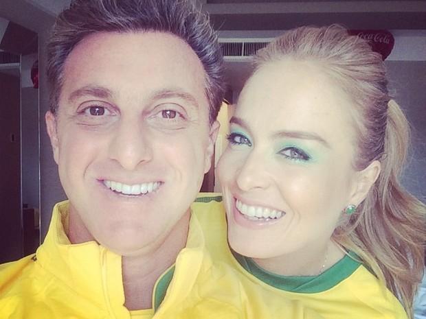Copa do Mundo - Luciano Huck e Angélica a caminho do Itaquerão (Foto: Reprodução Instagram)