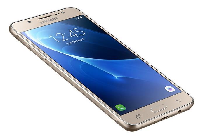Galaxy J5 Metal tem novo design e tela com resolução HD (Foto: Divulgação/Samsung)