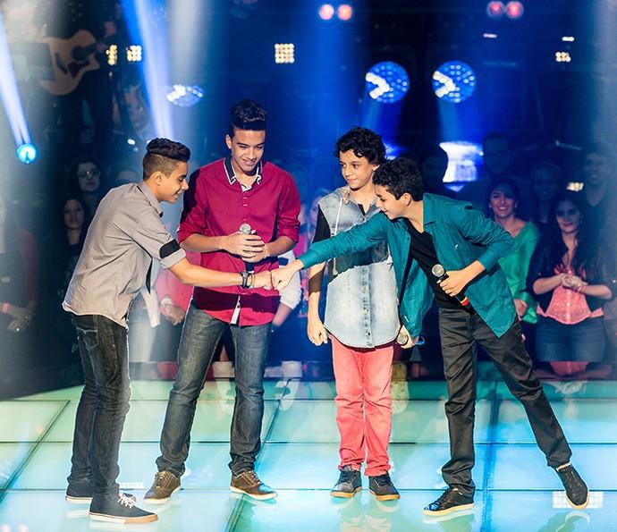 Íkaro e Rodrigo, Pepê Santos e Wagner Barreto na primeira Batalha do The Voice Kids (Foto: Isabella Pinheiro/Gshow)