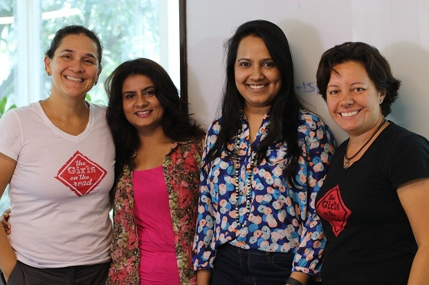 Anshulika Dubey e Priyanka Agarwal são fundadoras da plataforma de crowdfunding Wishberry (Foto: THE GIRLS ON THE ROAD)