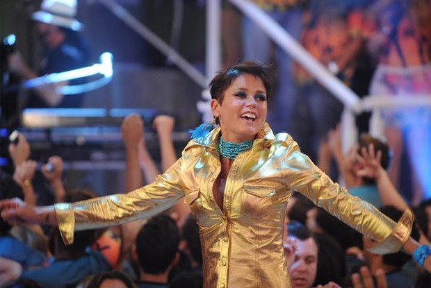 Xuxa tira o pé do chão em programa especial das micaretas (Foto: Divulgação / Xuxa Produções)
