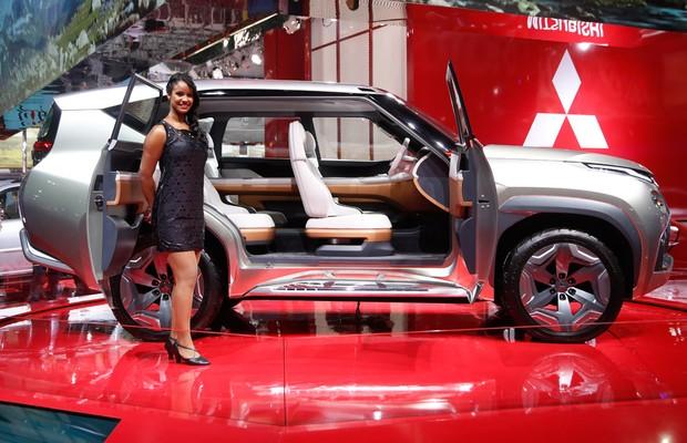 Mitsubishi Outlander PHEV no Salão do Automóvel 2014 (Foto: Fabio Aro/Autoesporte)