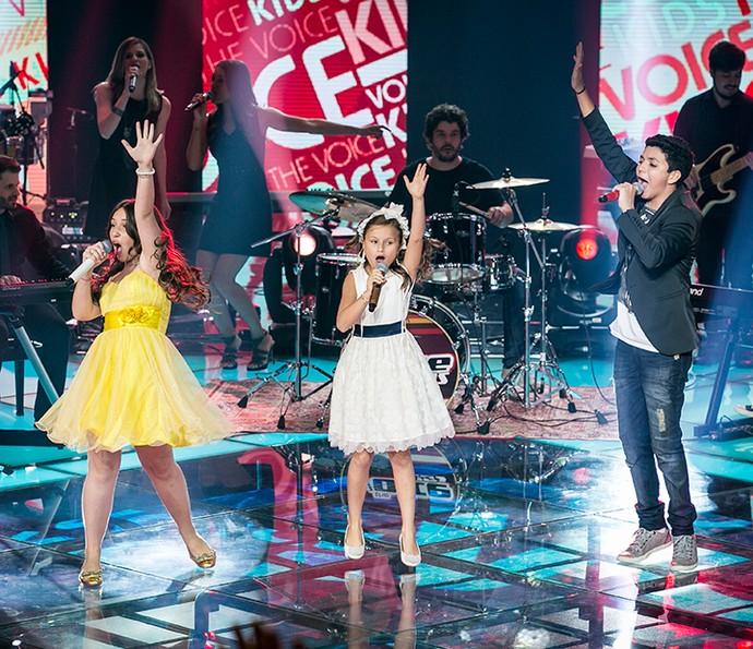 Trio de finalistas se apresenta no palco do reality (Foto: Isabella Pinheiro/Gshow)