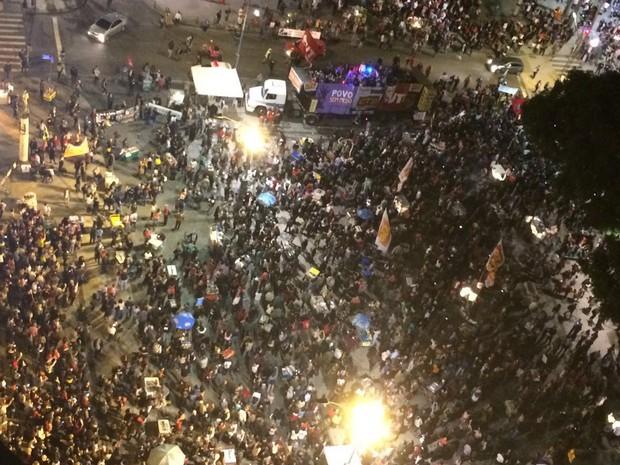 Ato no Centro reúne manifestantes contra Temer (Foto: G1)