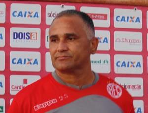 Oliveira Canindé, técnico do América-RN (Foto: Ferreira Neto)