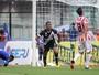 Incansável, Jorge Henrique corre 11 km, faz gol e cumpre missão