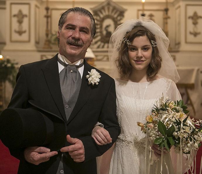 O estilo delicado e angelical foi a aposta para a noiva Cecília (Foto: Inácio Moraes/Gshow)