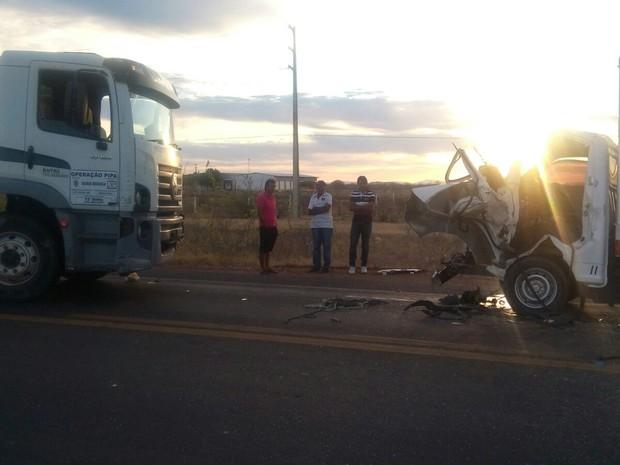 Acidente na BR-428 (Foto: Jefferson Henrique/Polícia Rodoviária Federal)