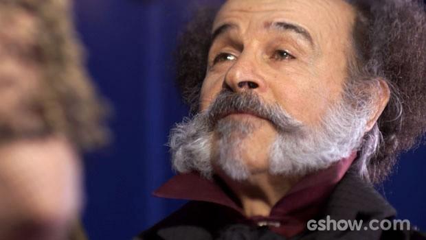 Coronel Epaminondas mantém a sua soberba (Foto: Meu Pedacinho de Chão/TV Globo)