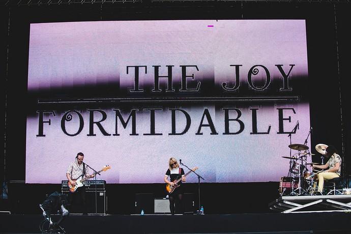 O power trio fez show quente no Palco AXE, do Lollapalooza (Foto: Mattina/Divulgação Lollapalooza)