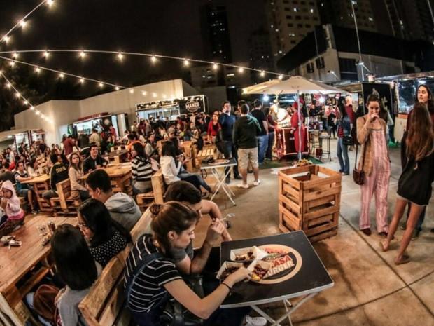 Vários Food Trucks e Food Bikes ficam disponíveis para os visitantes, em Goiânia (Foto: Divulgação/Dot Bueno)