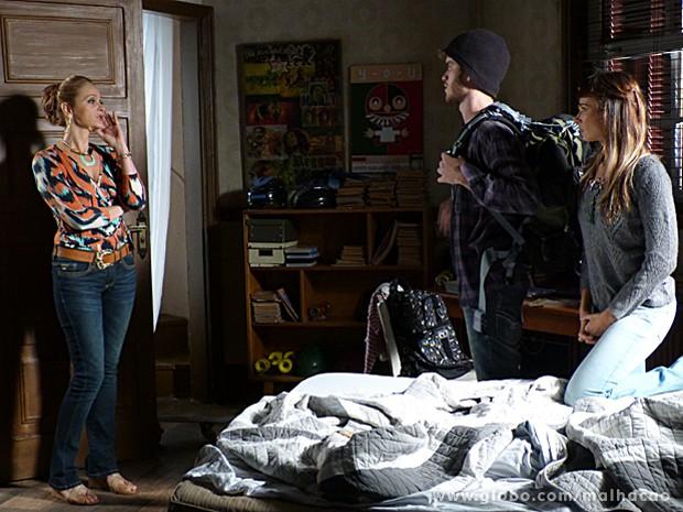 Maura acha que Cláudio será uma má influência para Sidney (Foto: Malhação / TV Globo)