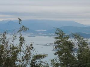 Na Grande Florianópolis, o dia começa com algumas nuvens. (Foto: Valéria Martins/G1)