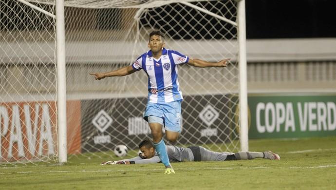 Lembra dele? Raí reapareceu no time titular do Paysandu diante do Londrina (Foto: Akira Onuma/O Liberal)