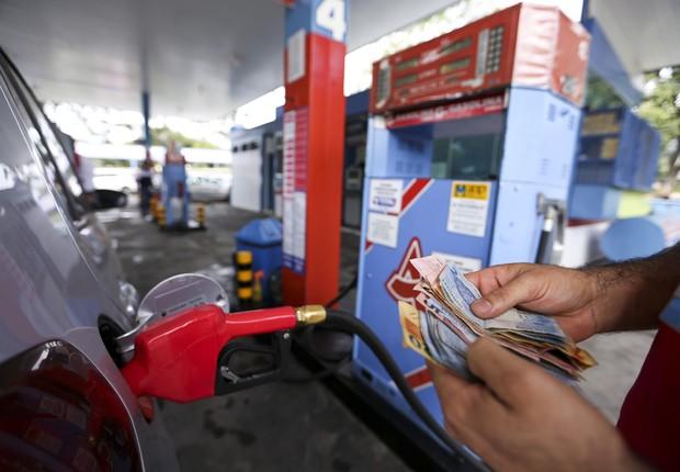 Aumento de imposto leva a reajuste nos preços da gasolina e do diesel ; combustíveis ; posto de gasolina ;  (Foto: Marcelo Camargo/Agência Brasil)