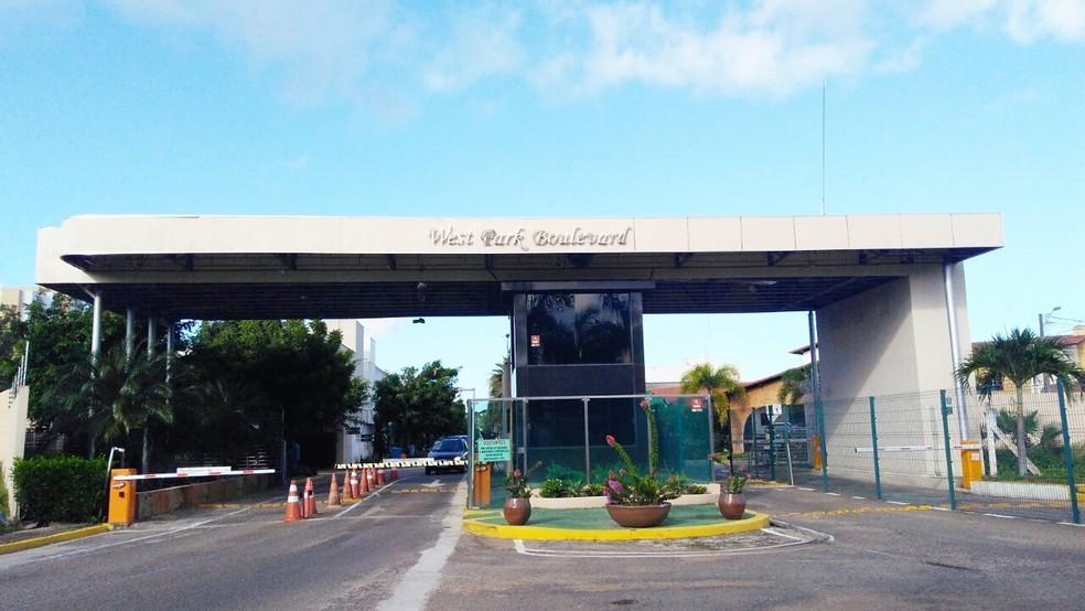 Condomínio fica no bairro de Lagoa Nova, na Zona Sul de Natal (Foto: Marksuel Figueredo/Inter TV Cabugi)