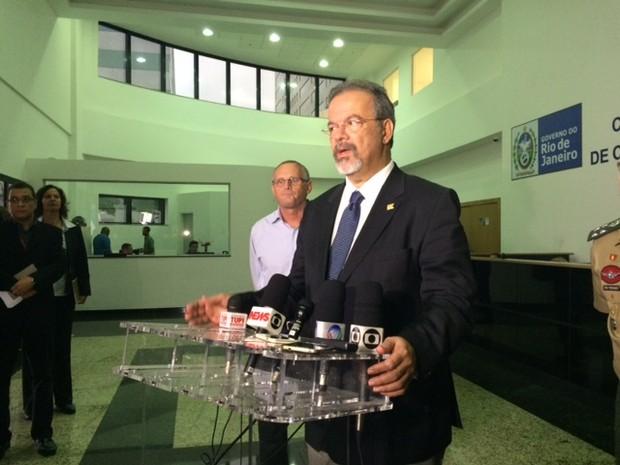 Secretário de Segurança do Rio, José Mariano Beltrame, se reuniu com o ministro da Defesa, Raul Jungmann (Foto: Káthia Mello/G1)
