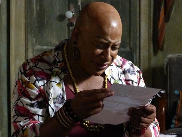 Xana se emociona ao ler carta de Luciano (Foto: Gshow)