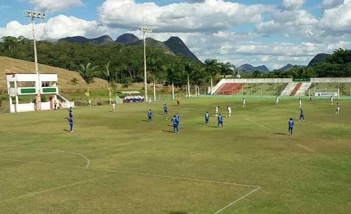 Espírito Santo-SE e Vitória-ES se enfrentaram no Estádio José Olímpio da Rocha, em Águia Branca (Foto: Richard Pinheiro/GloboEsporte.com)
