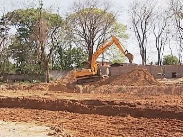 Reforma do zoológico de Araçatuba começou em 2012 (Foto: Reprodução/TV TEM)