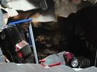 Vídeo mostra buraco se abrindo em museu e 'engolindo' Corvettes